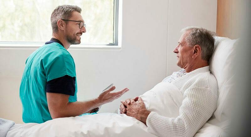 medicina-geriatria-especialidade-residencia-salario-duracao-melhores-e1568398970842