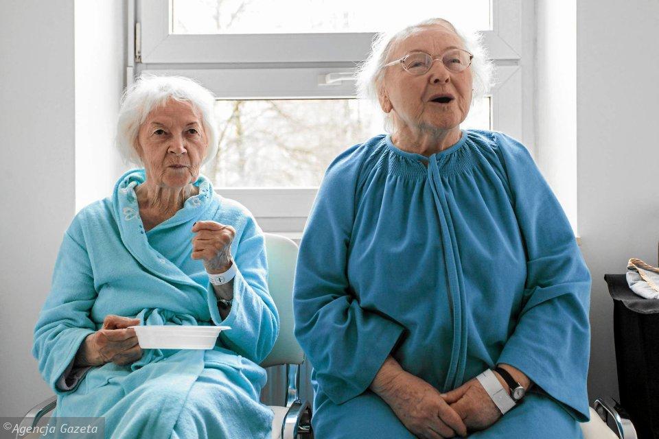 z19914704V,Pacjentki-na-oddziale-geriatrii-w-szpitalu-przy-Sp