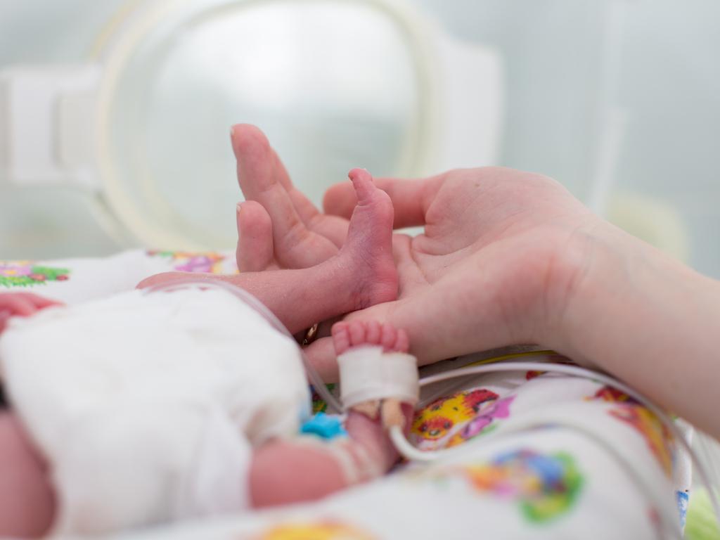 Contención-emocional-en-el-servicio-de-neonatología